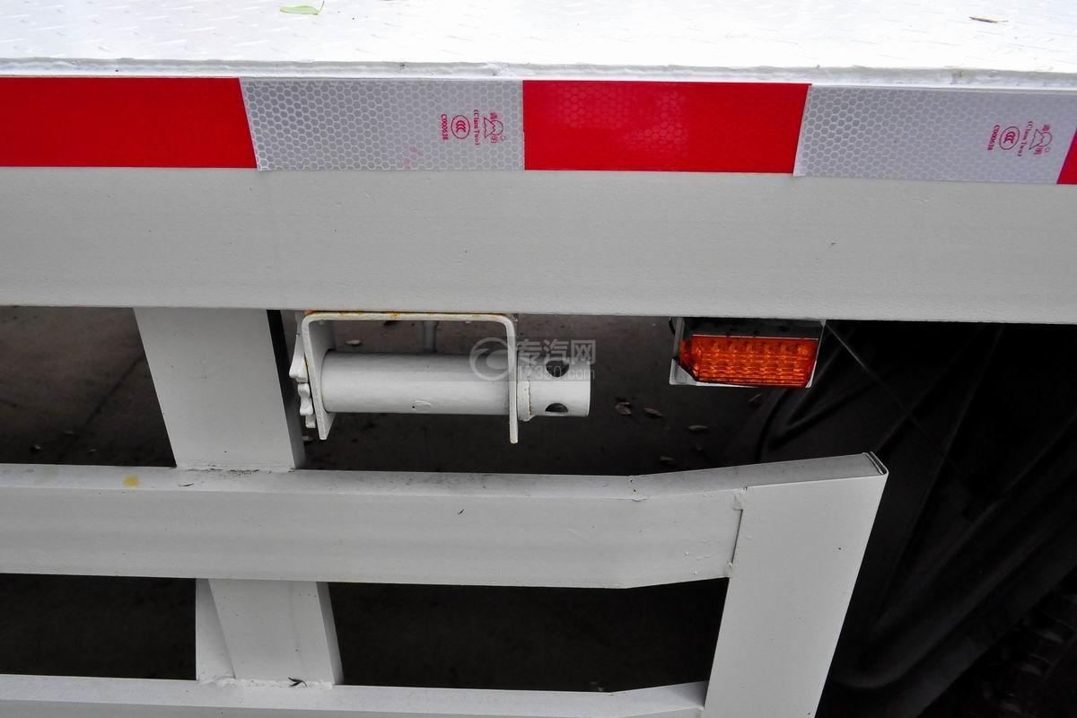 解放龙V单桥平板运输车上装紧绳器