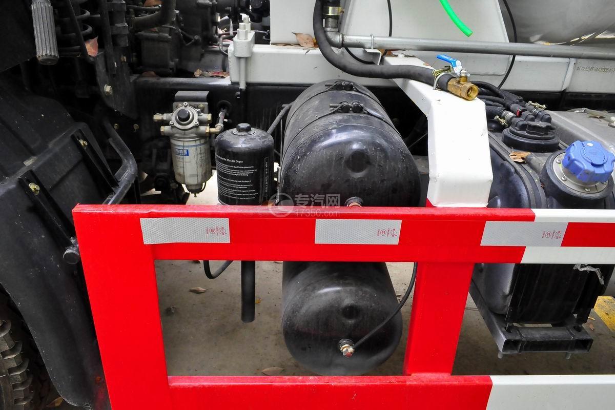 湖北大运运途6方搅拌车储气罐