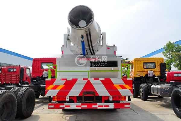 解放J6L国六多功能抑尘车正后图