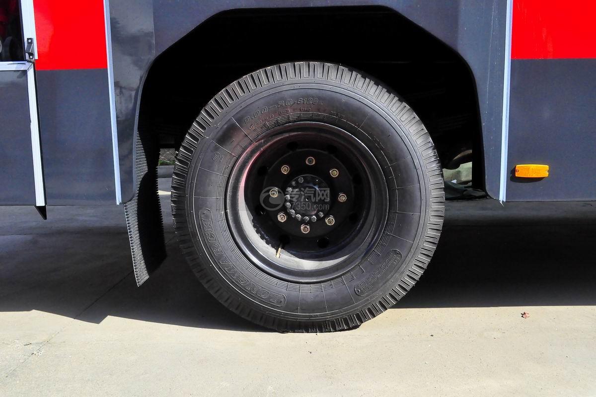 东风153双排座5.2方水罐消防车轮胎