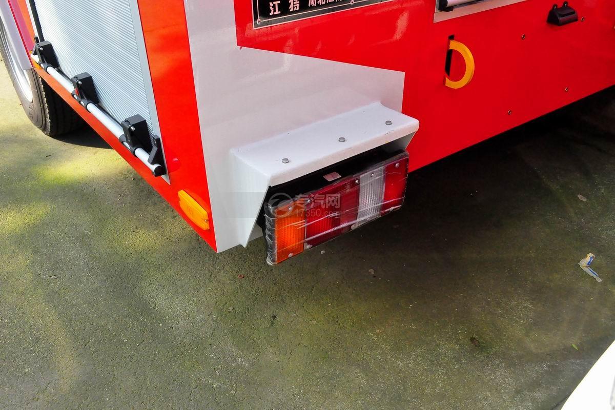 五十铃双排座ELF水罐消防车尾部示意灯
