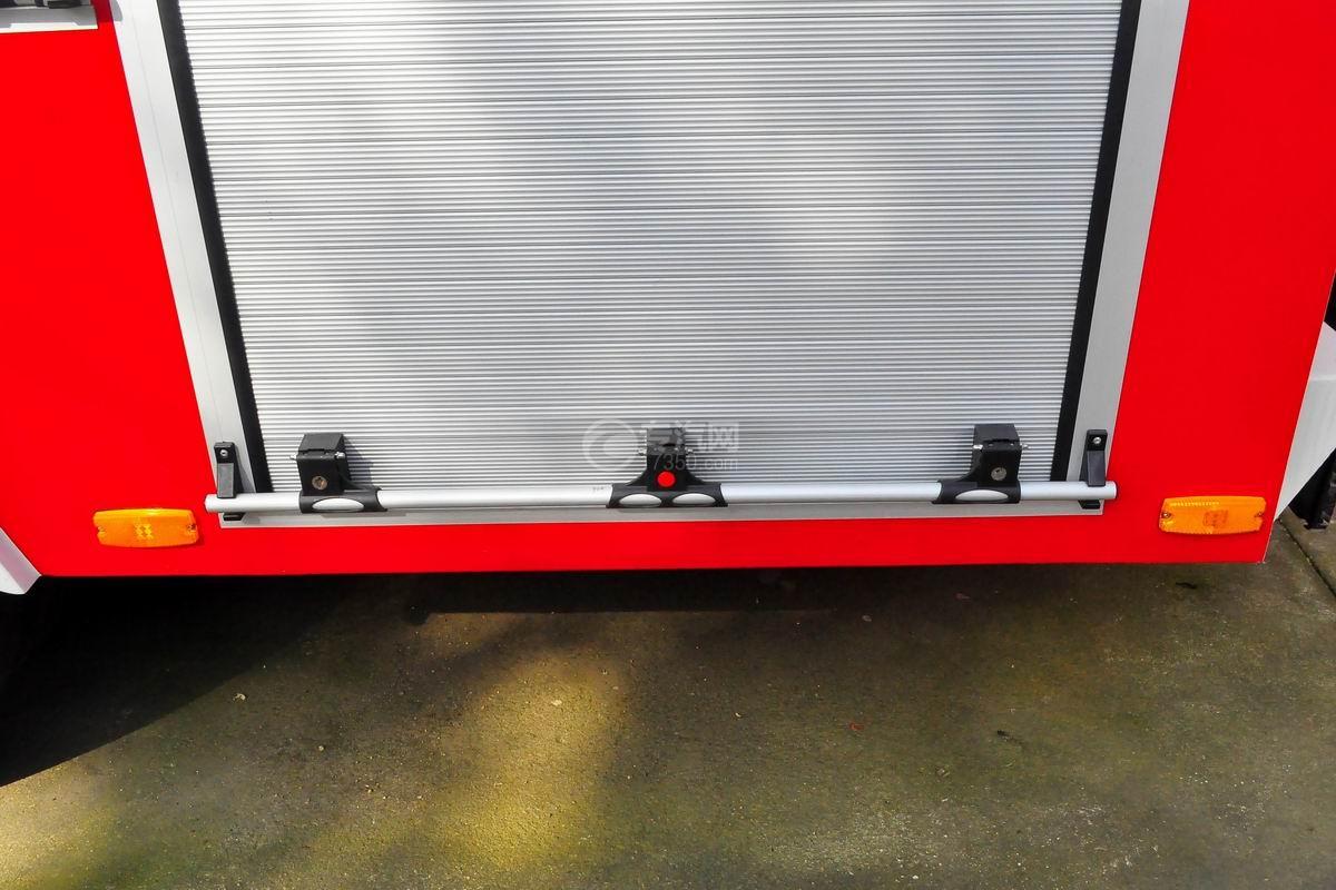 五十铃双排座ELF水罐消防车上装器材厢
