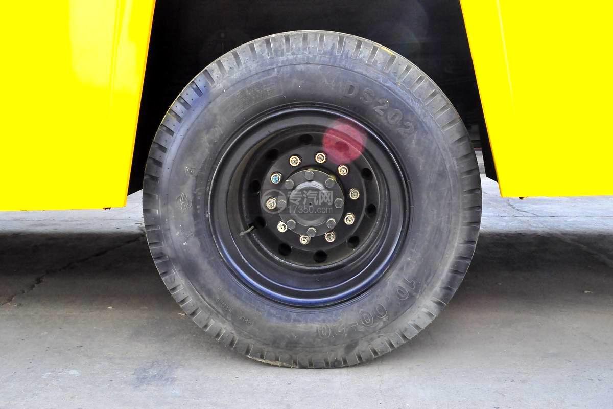 东风153高空作业车轮胎