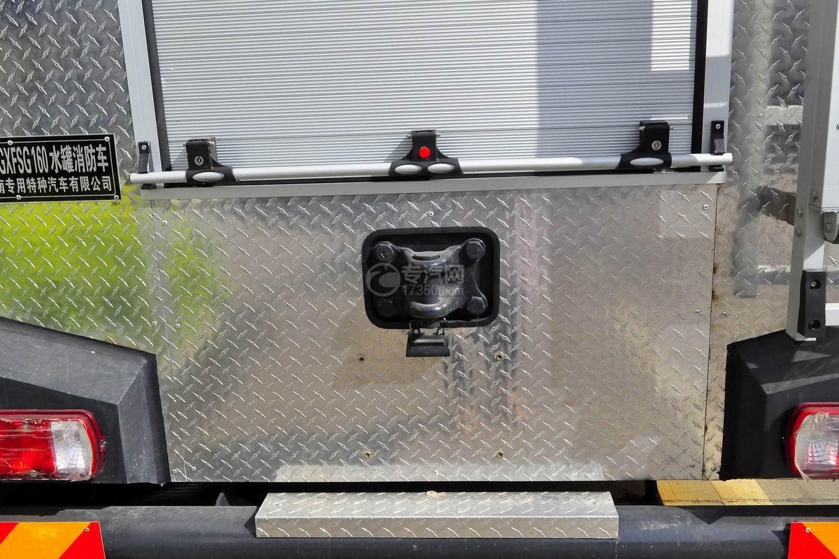 重汽豪沃380後�p�蛩�罐消防�上●�b��
