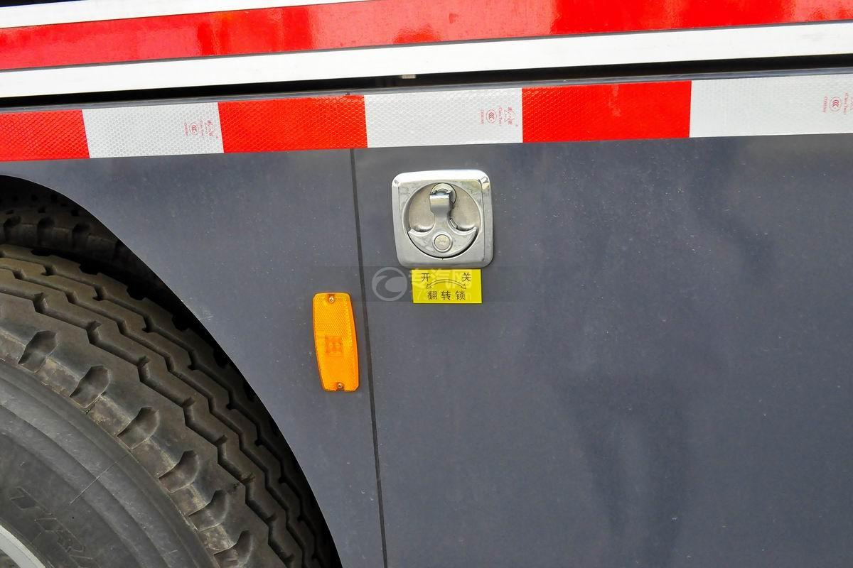 重汽HOWO单桥抢险救援消防车上装细节