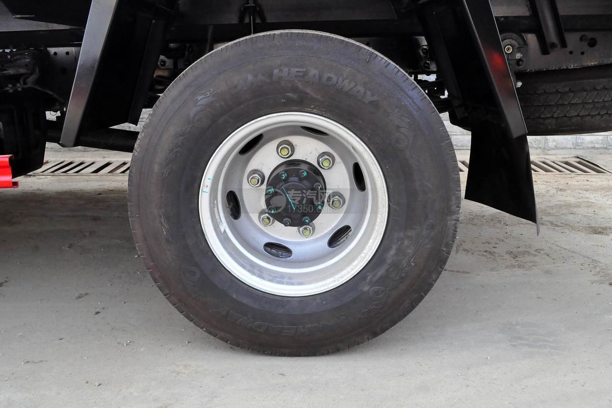 江淮骏铃V6冷藏车轮胎