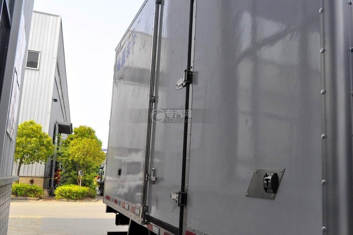 江淮骏铃V6冷藏车厢体