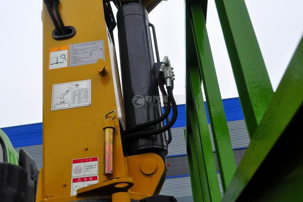 大运奥普力蓝牌徐工4吨直臂随车吊油缸