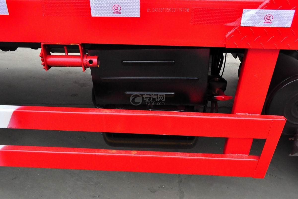 东风锦程单桥平板运输车蓄电池