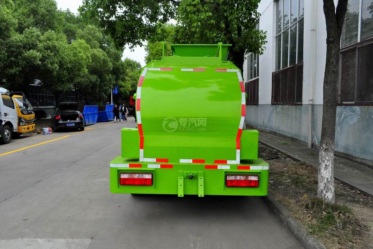 东风多利卡6方餐厨式垃圾车正后方图