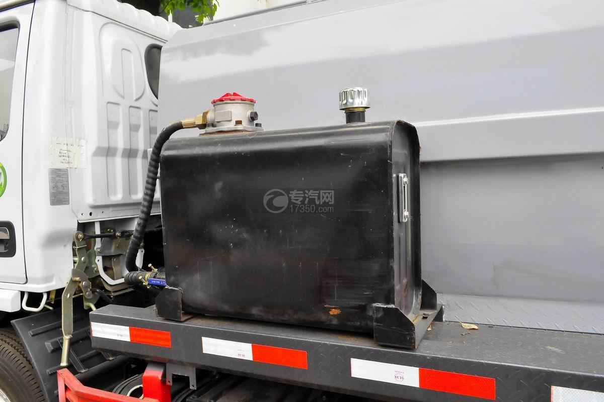 东风多利卡6方餐厨式垃圾车液压油箱