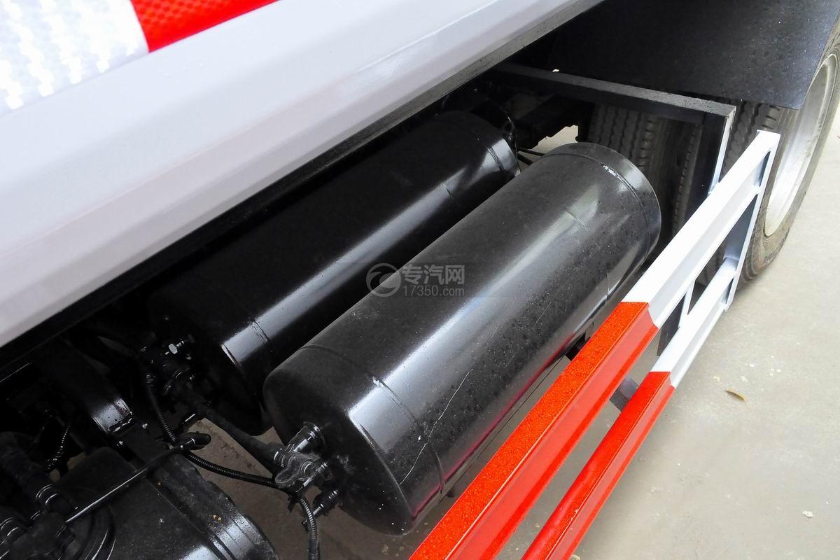东风多利卡国六压缩式垃圾车储气罐