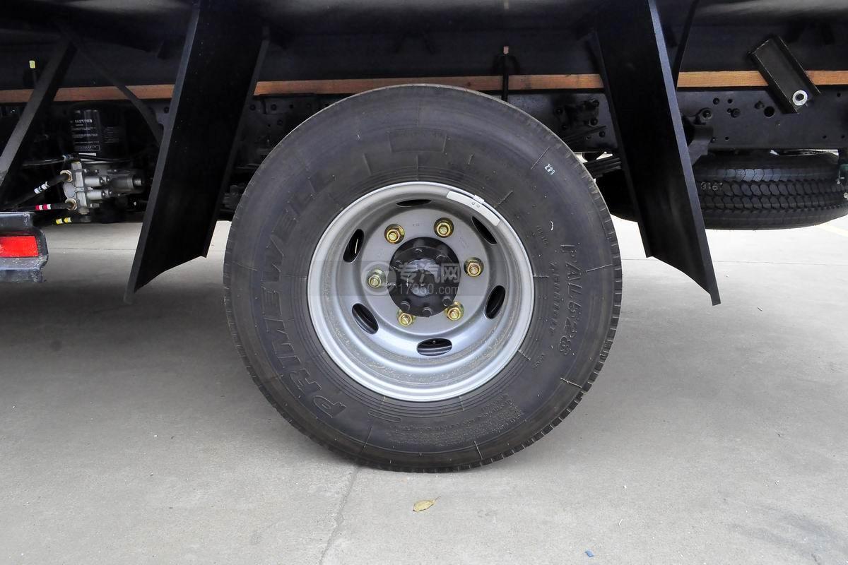 福田欧马可S3冷藏车轮胎