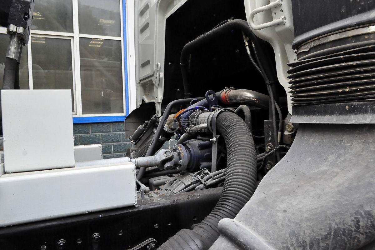 陕汽德龙新M3000前四后八搅拌车发动机
