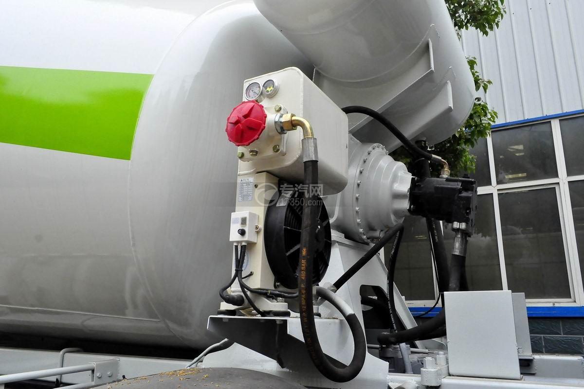 陕汽德龙新M3000前四后八搅拌车散热器、液压马达