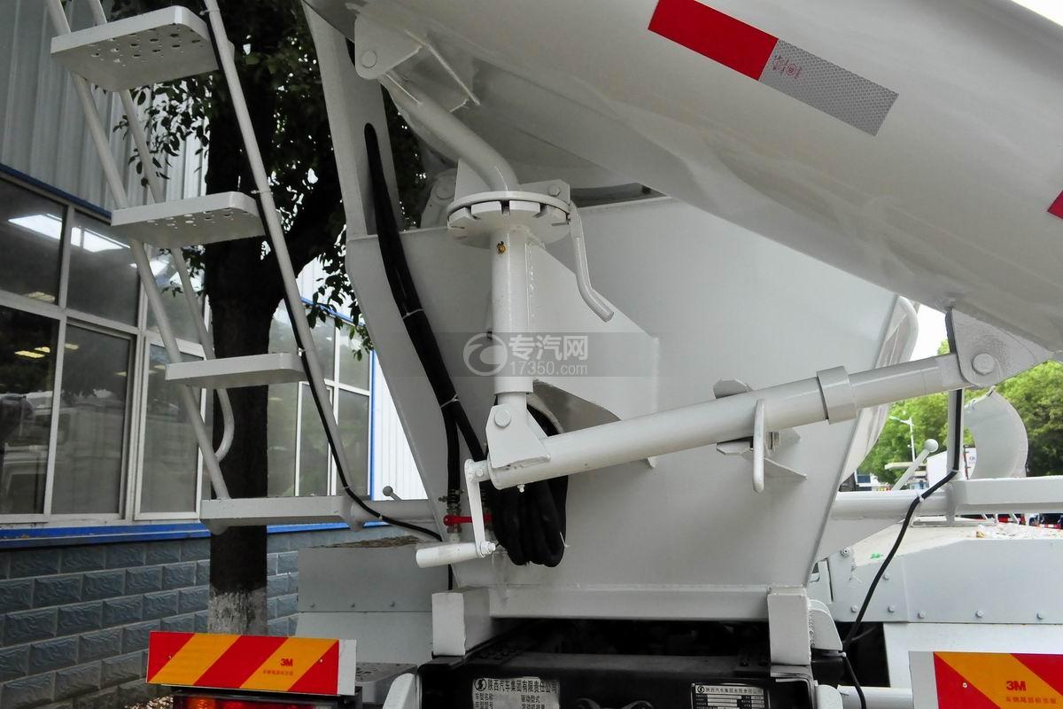 陕汽德龙新M3000前四后八搅拌车出料旋转装置