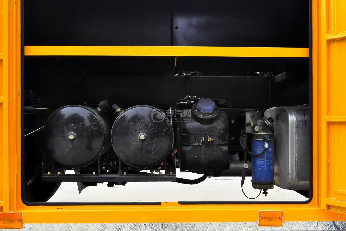 大运奥普力国六拖吊联体澳门威尼斯人平台网址储气罐