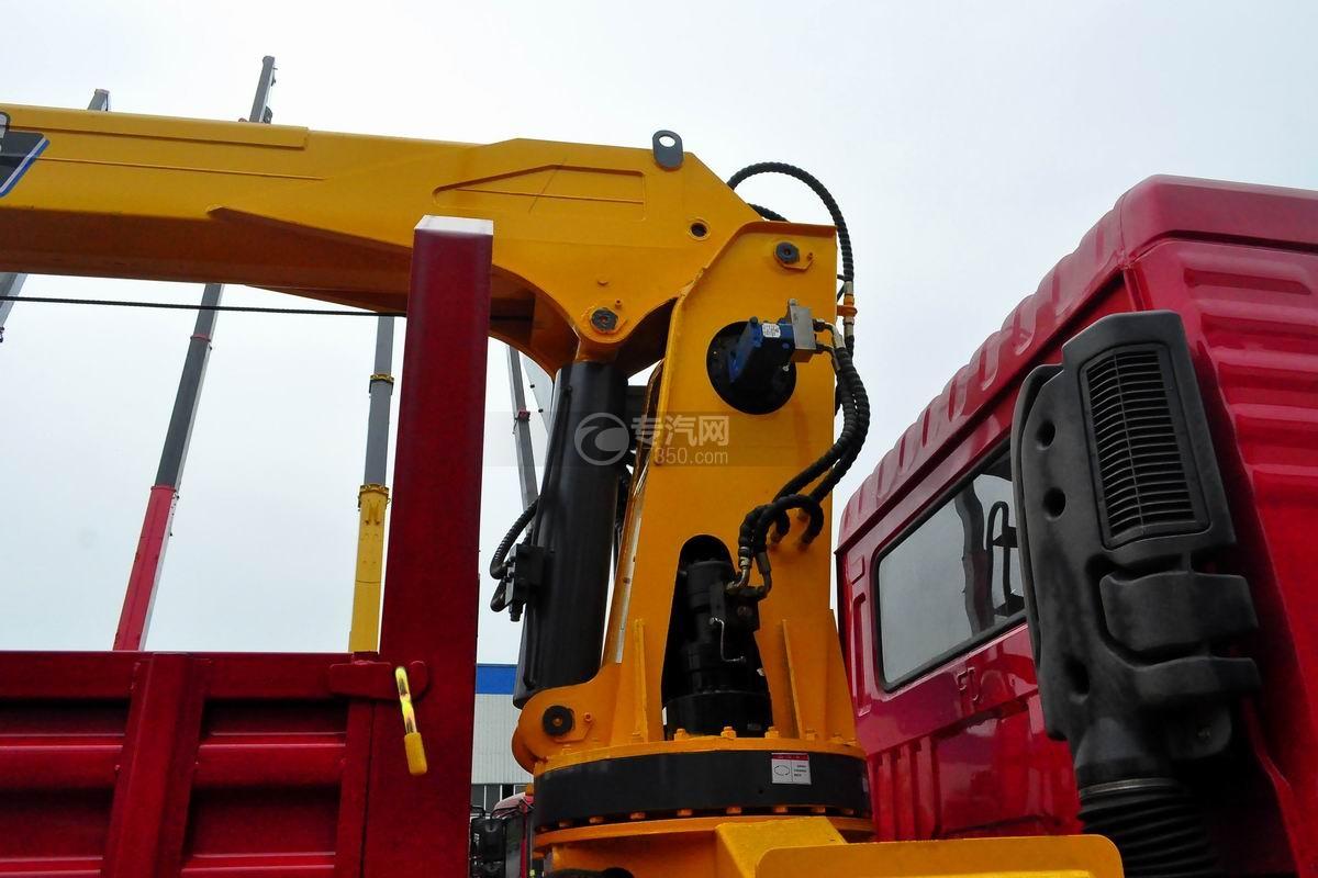 东风畅行单桥8吨直臂随车吊(带弹簧爬梯)吊机细节
