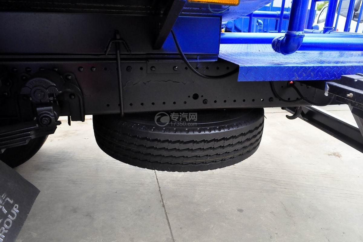 东风专用底盘D3绿化喷洒车备胎