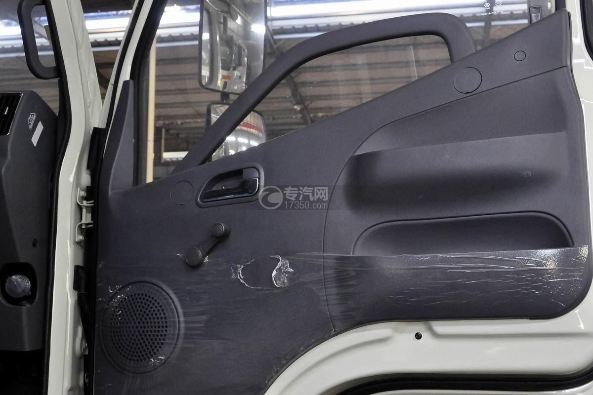 福田瑞沃E3单桥搅拌车车门细节