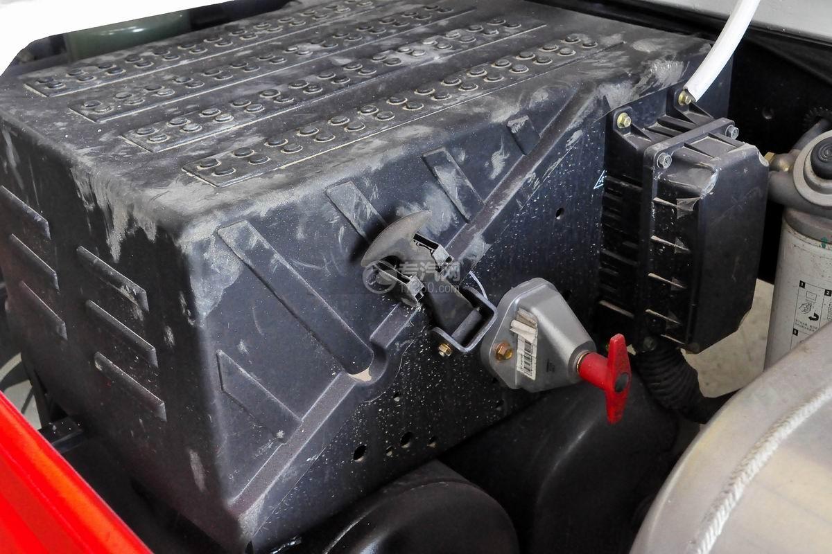 福田瑞沃E3单桥搅拌车蓄电池