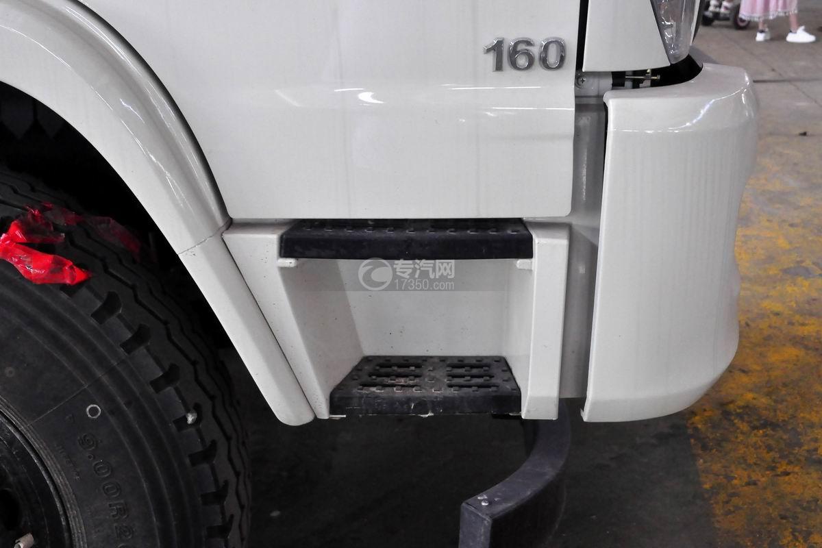 福田瑞沃E3单桥搅拌车驾驶室上下踏板