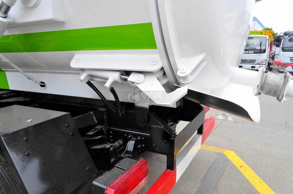 东风多利卡8方餐厨式垃圾车上装锁紧装置