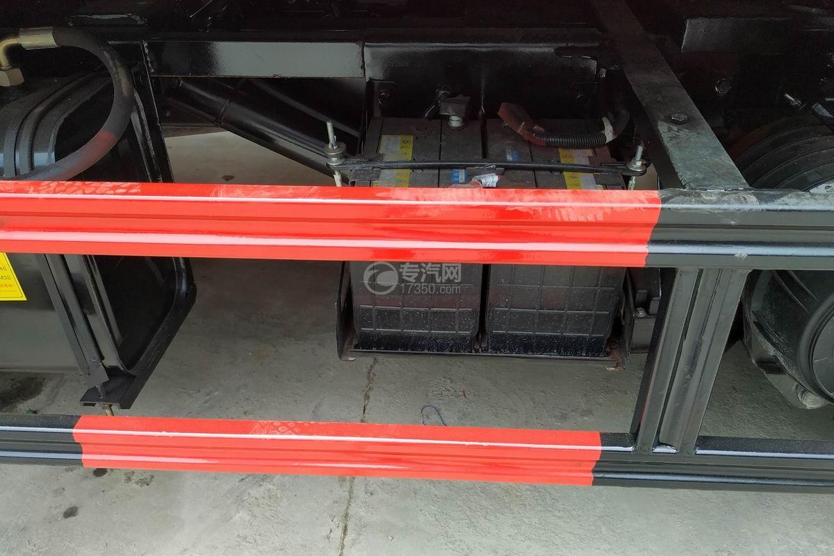重汽豪沃一拖二清障车蓄电池
