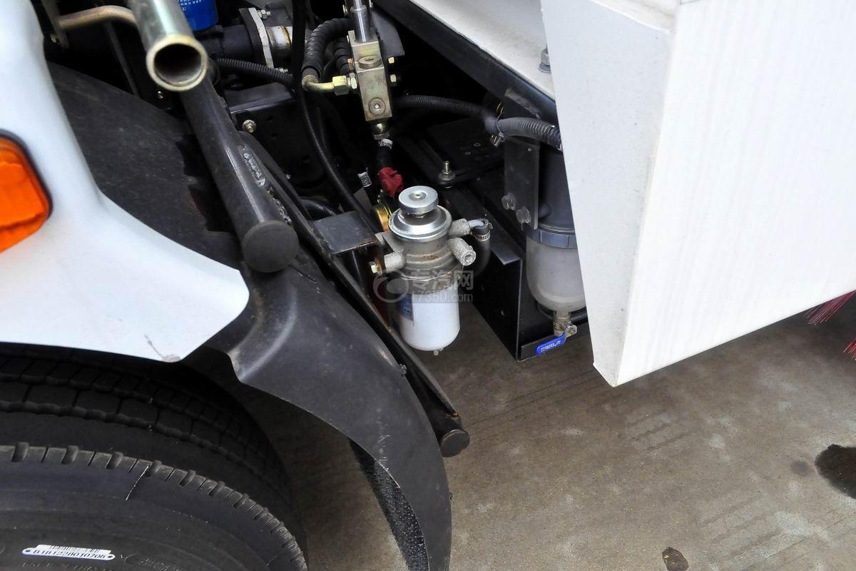 东风多利卡D7扫路车滤清器