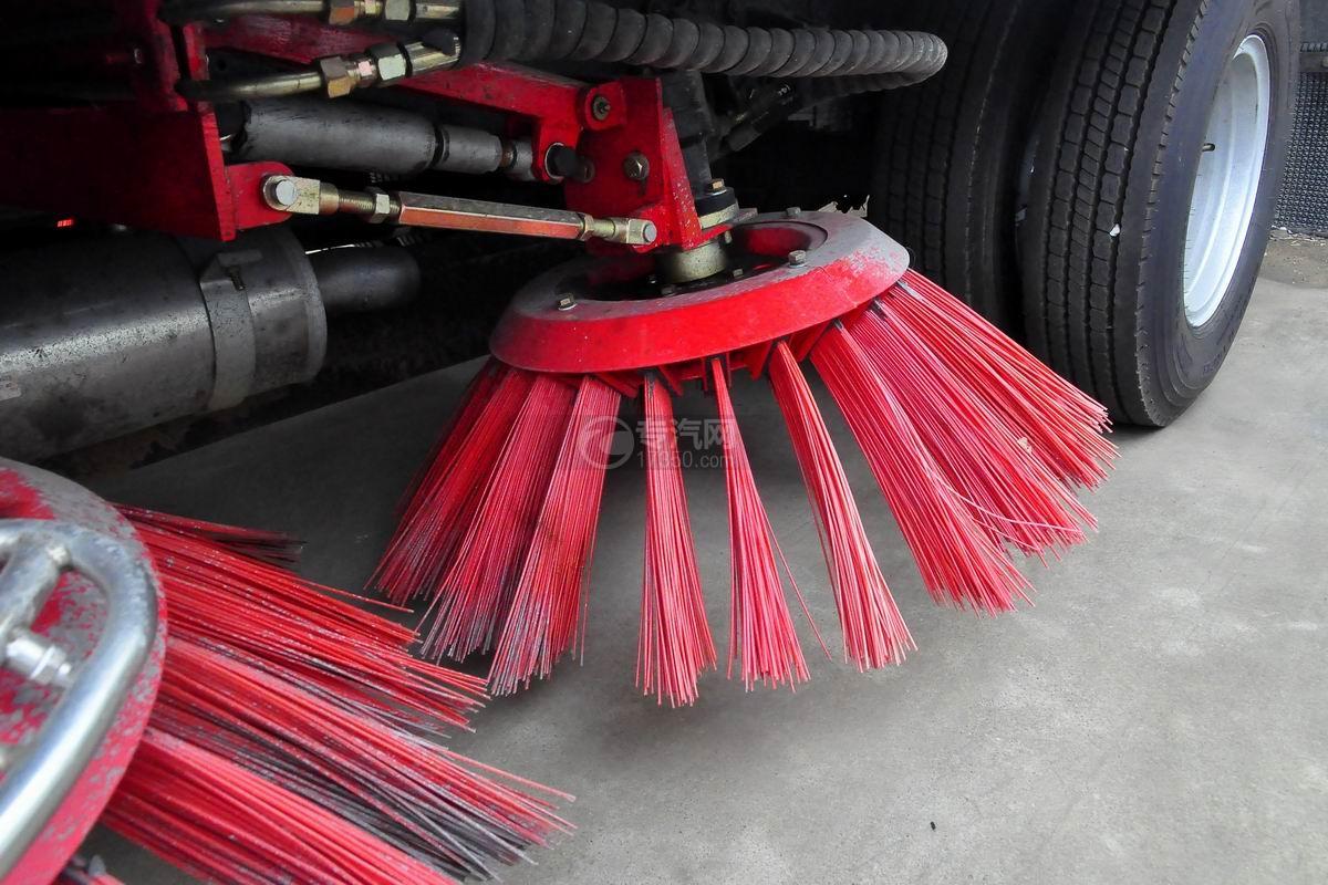 东风多利卡D7扫路车扫刷