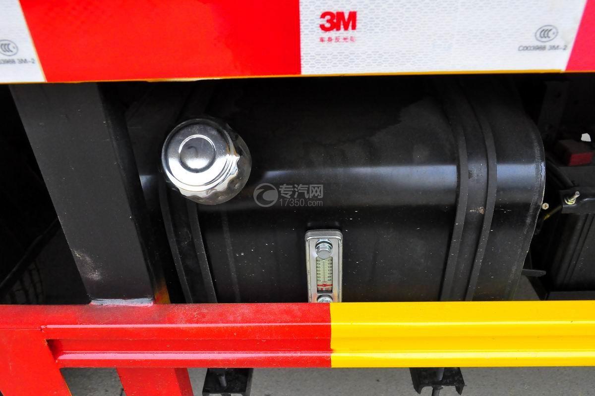 东风多利卡D5高空作业车油箱