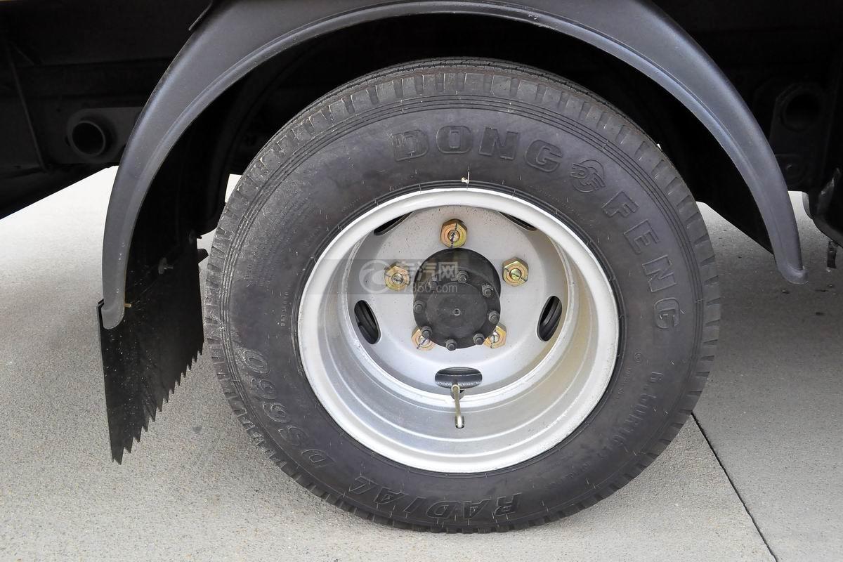 东风多利卡D5高空作业车轮胎