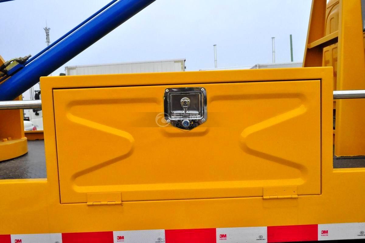 东风多利卡D5高空作业车工具箱