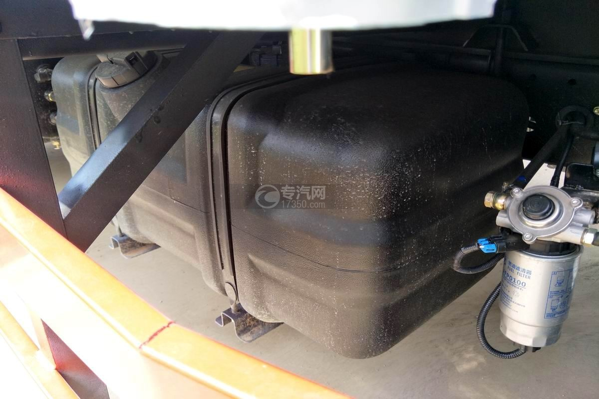 东风凯普特国六冷藏车油箱