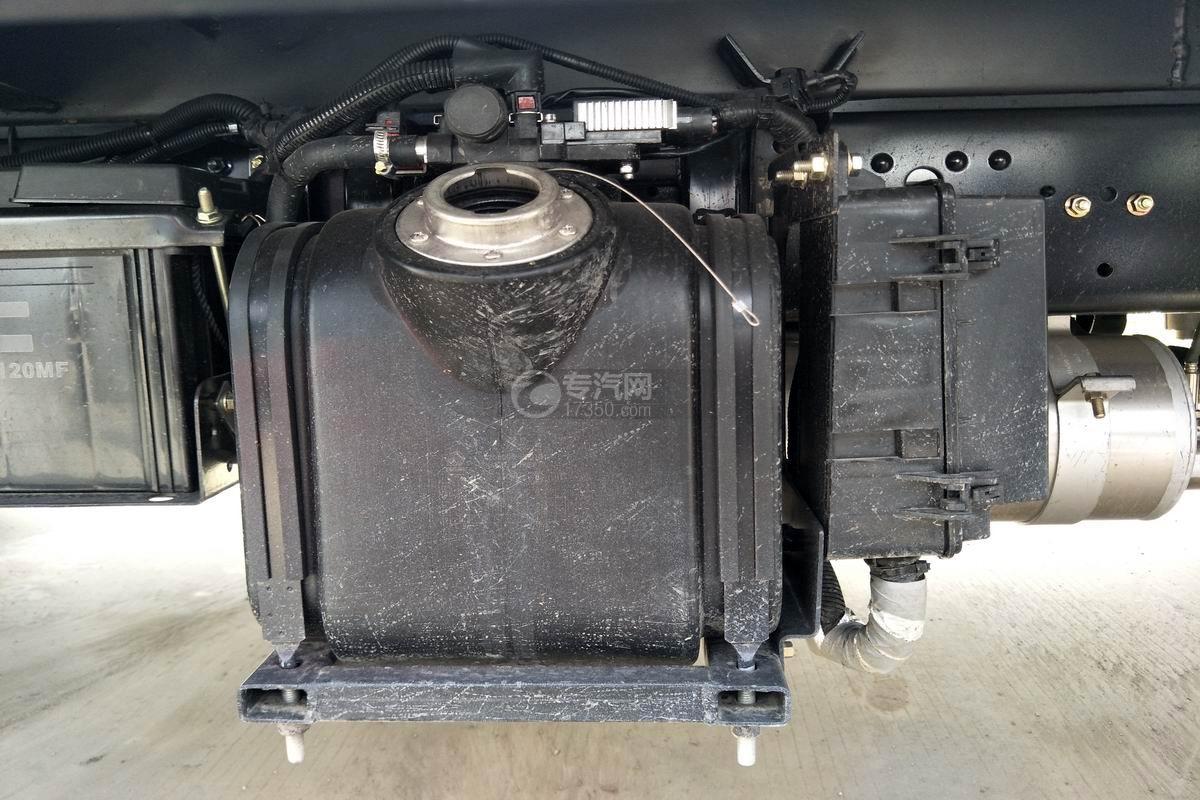 东风凯普特国六冷藏车尿素罐
