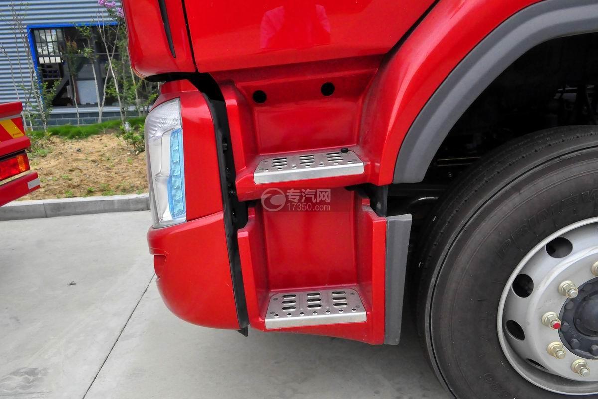 东风柳汽乘龙H5小三轴19.5方运油车驾驶室踏板