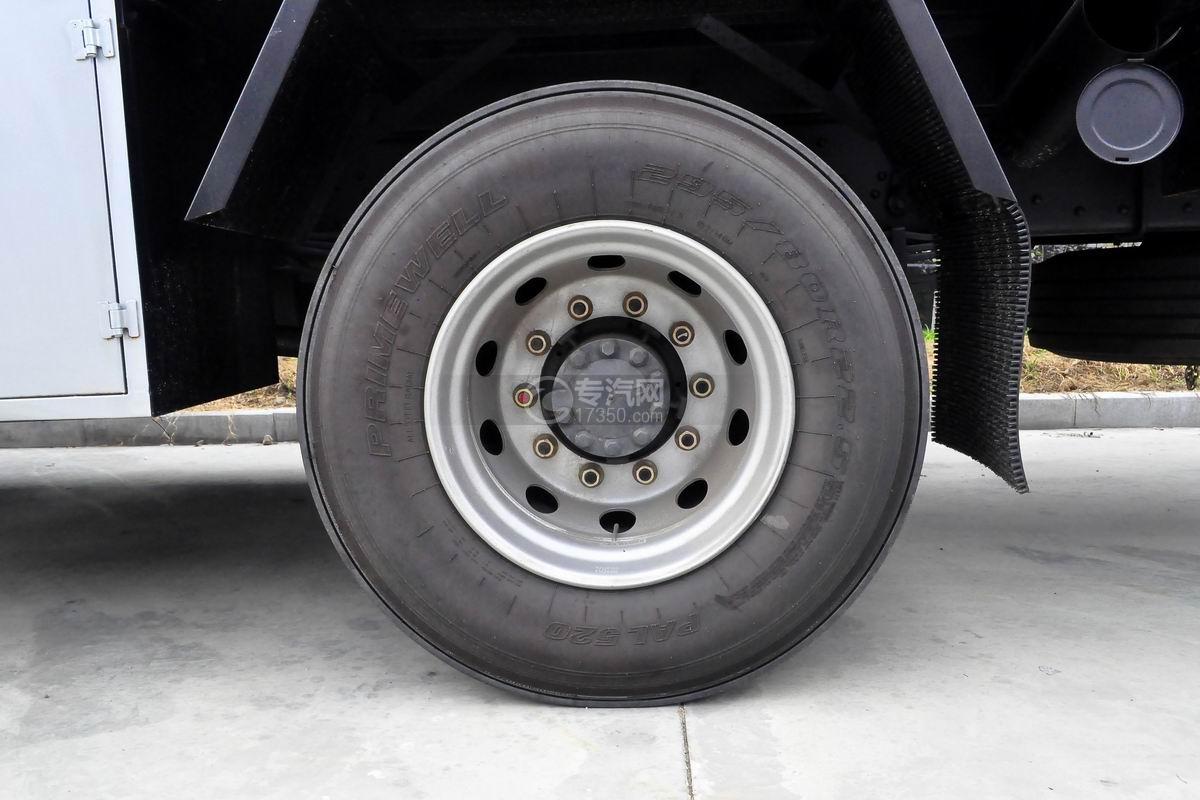 东风柳汽乘龙H5小三轴19.5方运油车轮胎