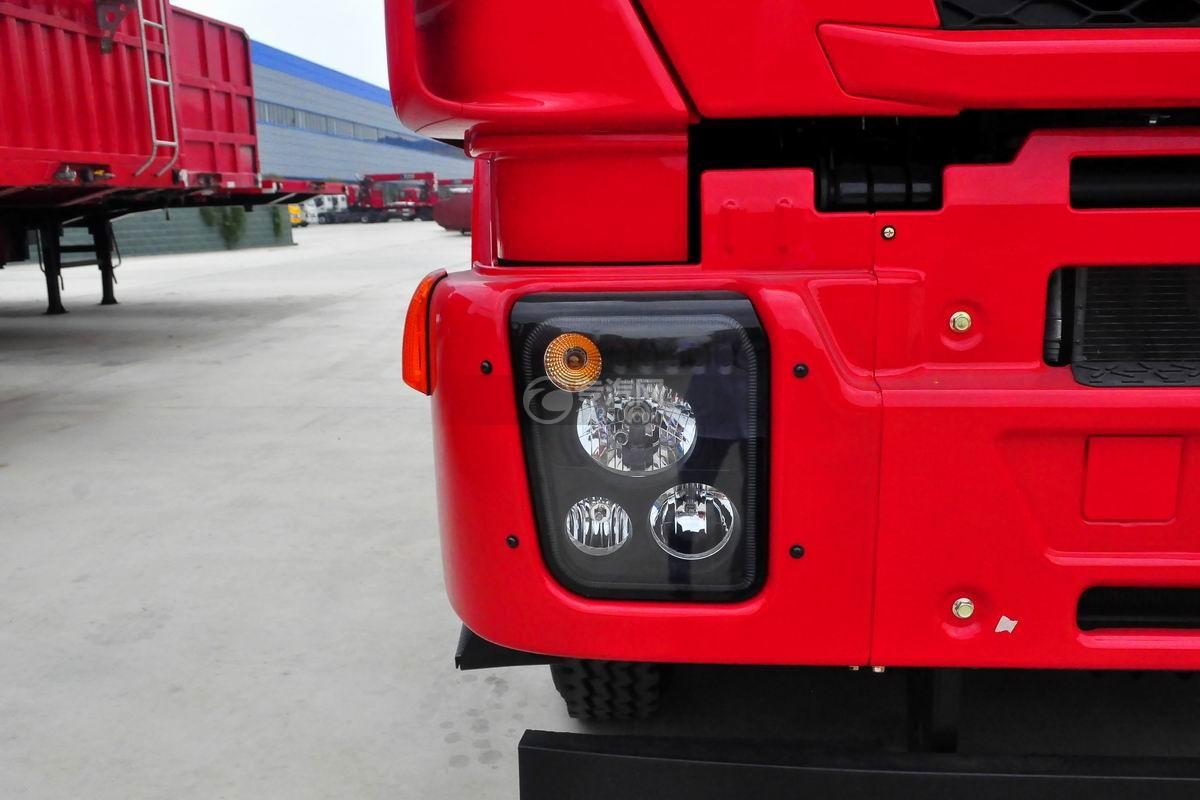 红岩杰狮M500前四后八粉粒物料运输车车灯