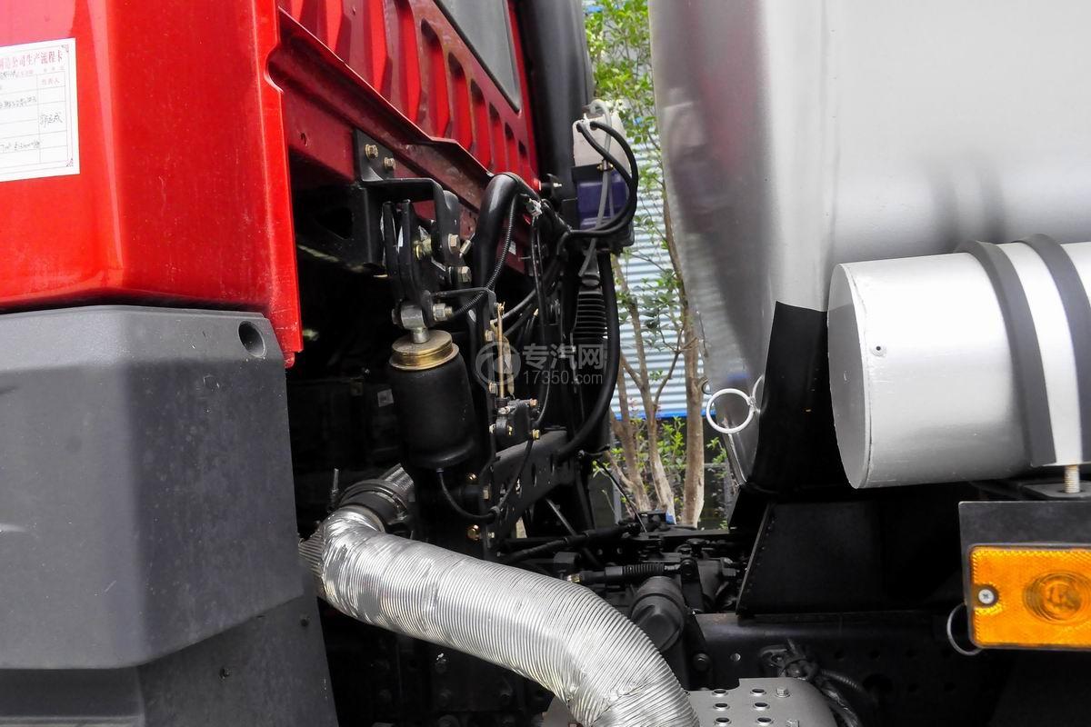 解放悍V前四后八22.5方运油车发动机