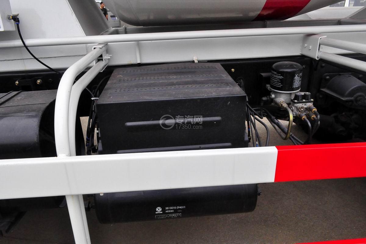东风劲诺单桥3.65方搅拌车蓄电池