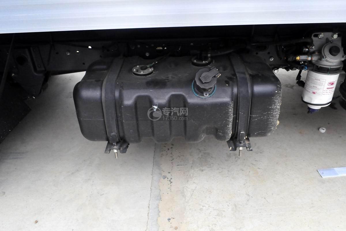 跃进S50单排冷藏车油箱
