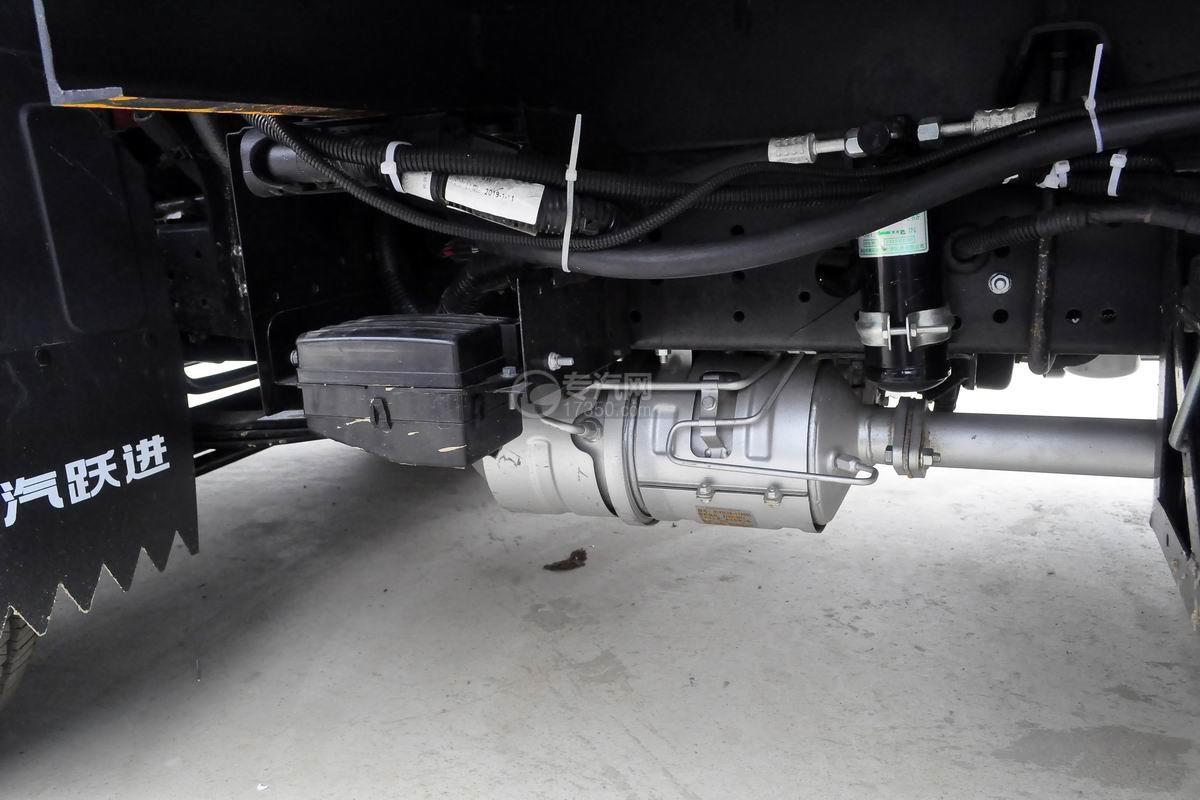 跃进S50单排冷藏车细节
