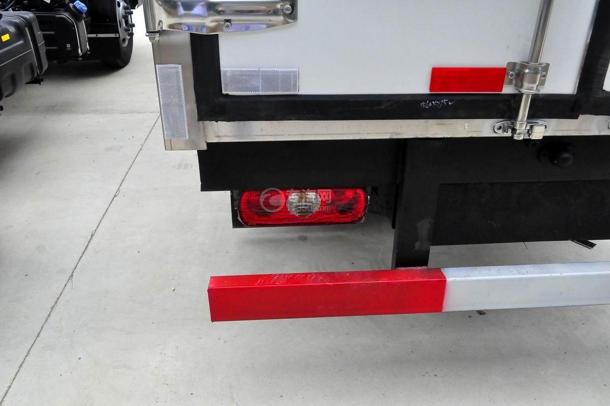 跃进S50单排冷藏车尾灯