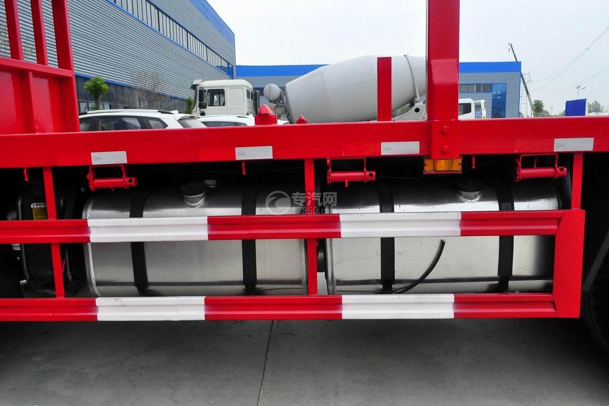 东风锦程V5前四后八20吨直臂随车吊油箱