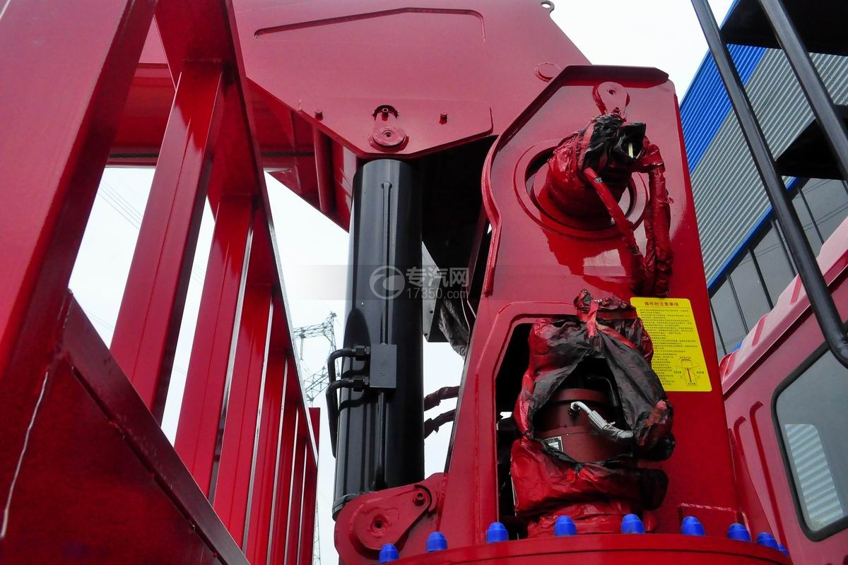东风锦程V5前四后八20吨直臂随车吊油缸