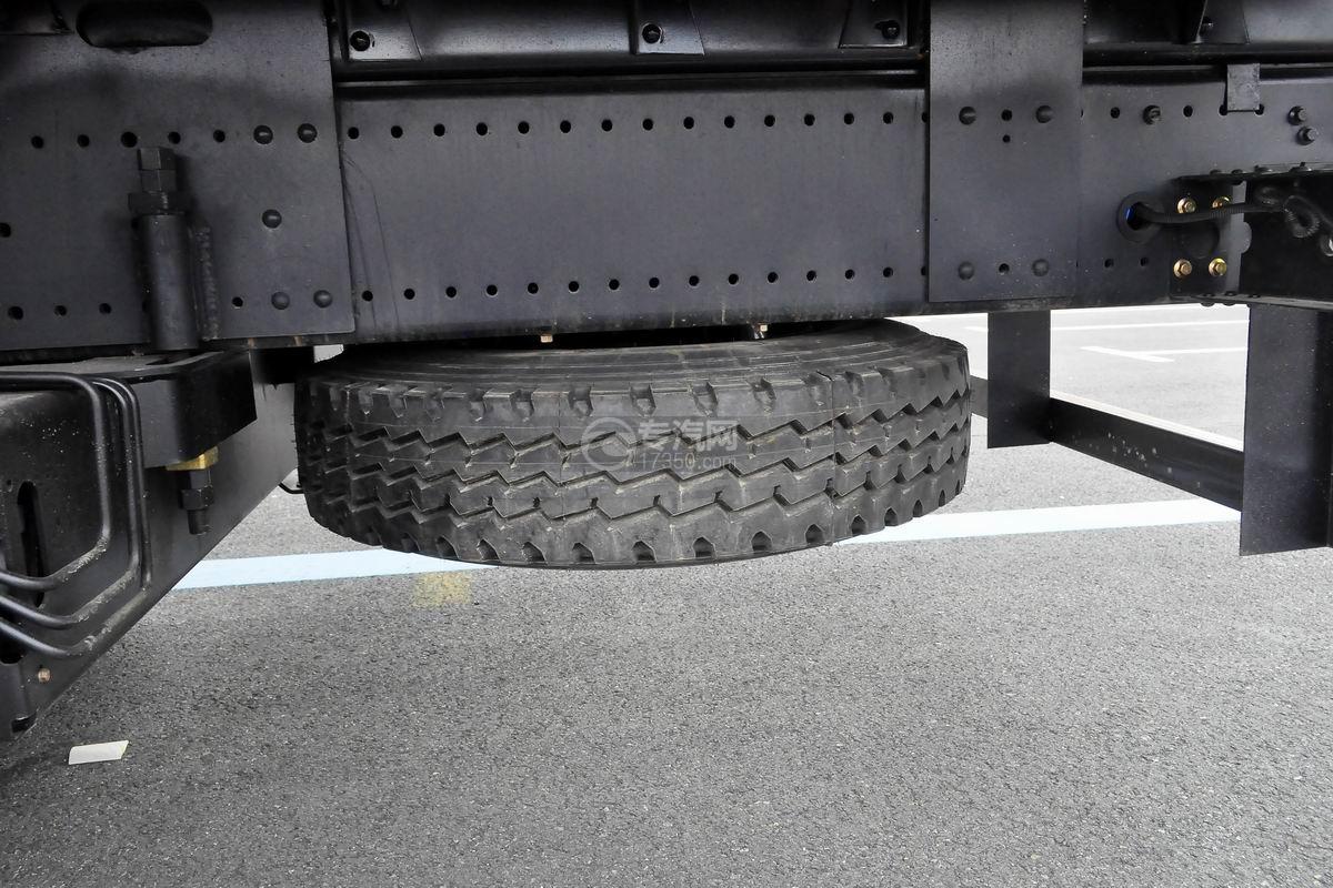 东风华神T5前四后八18吨直臂随车吊备胎