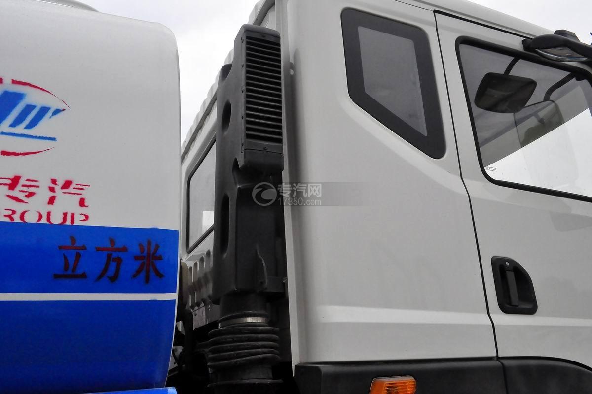 東風華神T5后雙橋14.5方灑水車細節