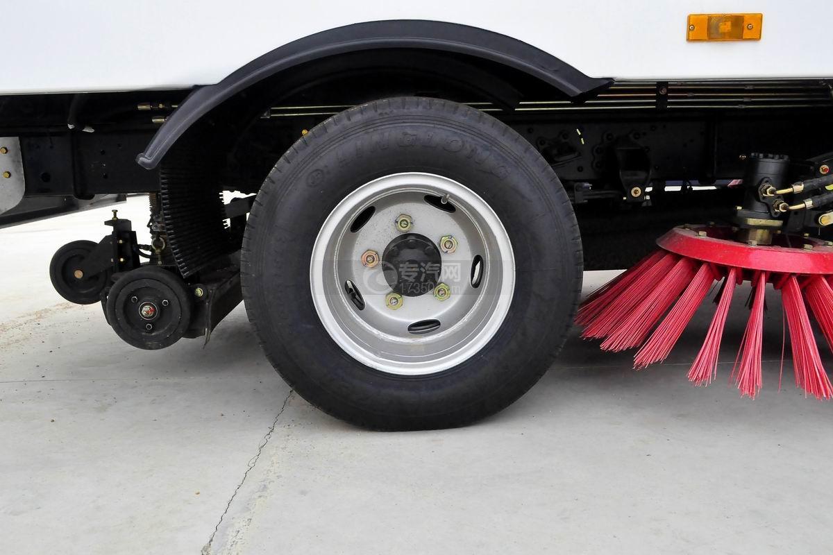 东风多利卡6方扫路车轮胎