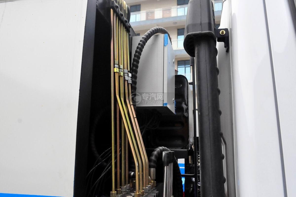 东风多利卡6方压缩式垃圾车电箱