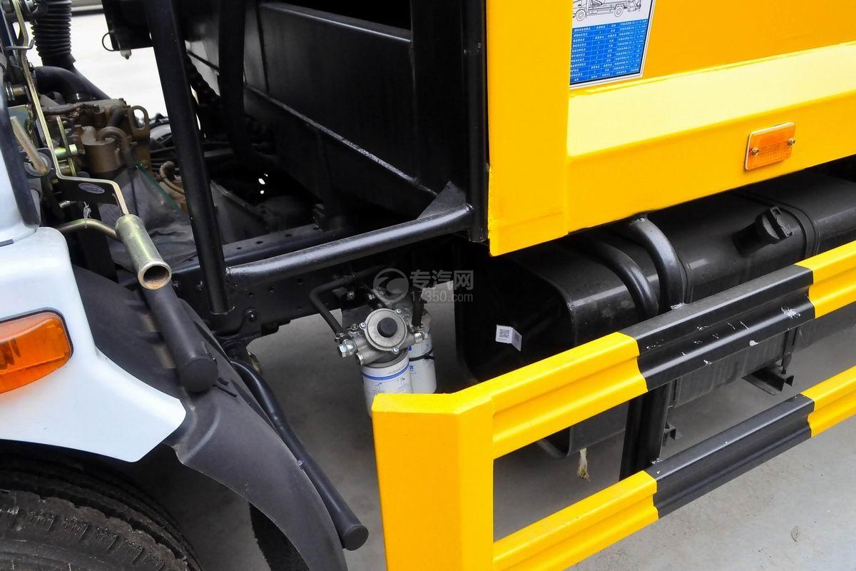东风多利卡8方压缩式垃圾车滤清器